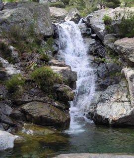 cascade montagne équilibre massage bien-être savoie